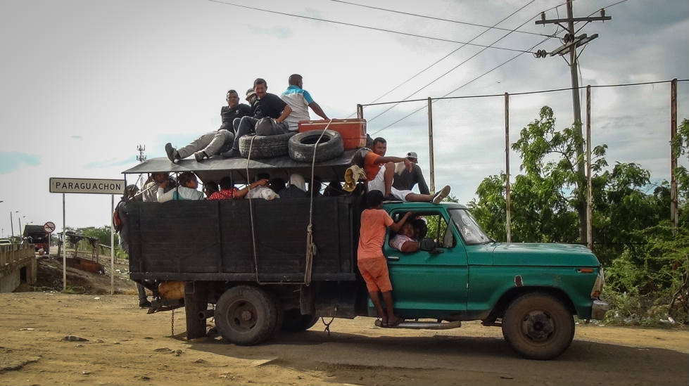 Foto 11. En estas camionetas venezolanos y colombianos pasan por las trochas para cruzar la frontera. / Foto. Edilma Prada.